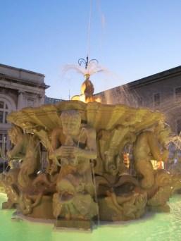 Piazza del Popolo - the fountain