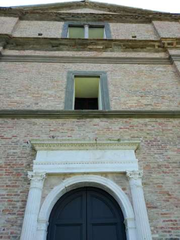 San Bernardino church - the façade