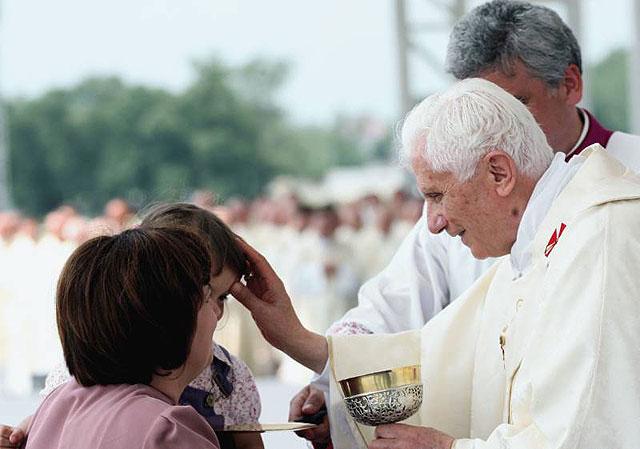 Prayers for Papa Benedict