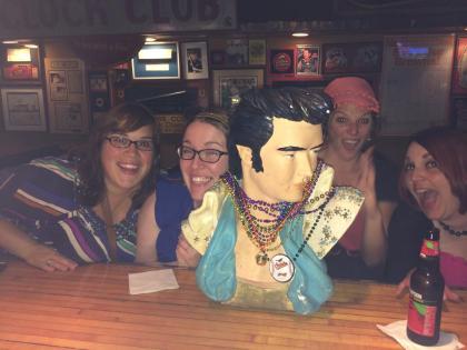 This Elvis head was apparently in a Save By the Bell episode. #goodeyegirls