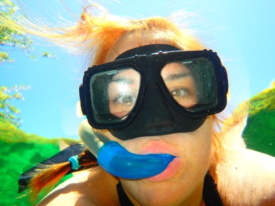 Snorkel seflie. I'm such a good millennial.