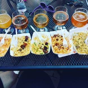 5 kinds of beer, 5 kinds of mac n' cheese. #brewerylife