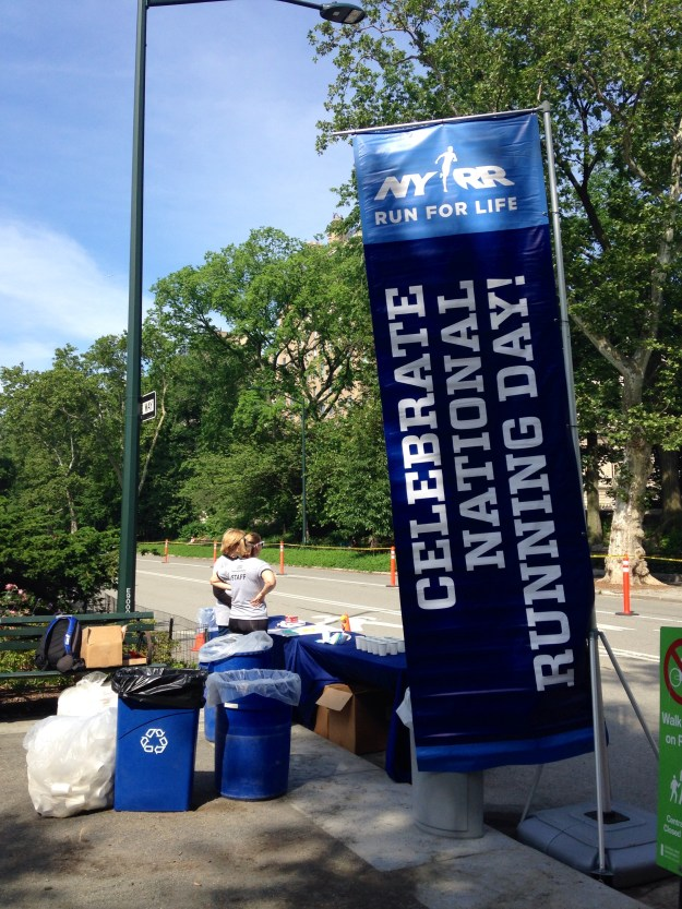 NYRR handed out free bandanas across the 5 boroughs to celebrate the day.