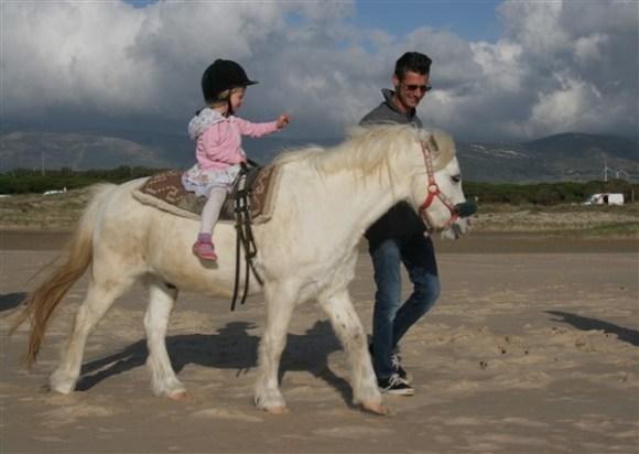 horse-riding-on-the-beach2