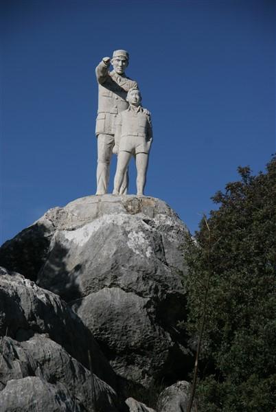 monument-at-mirador-nr-el-burgo