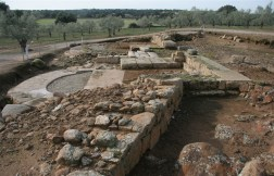 foundations-of-the-southern-gate-on-the-via-plata