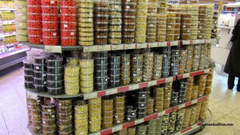 Nuts at Galeries