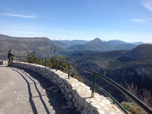 Verdon - road to the gorges