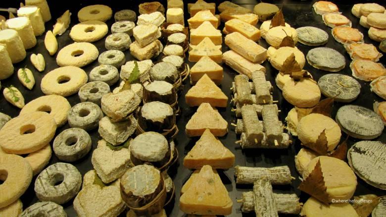 les halles Lyon - where the foodies go10