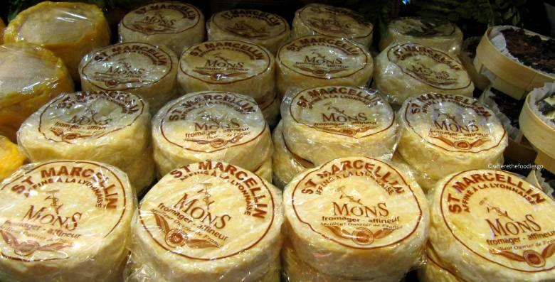 les halles Lyon - where the foodies go13