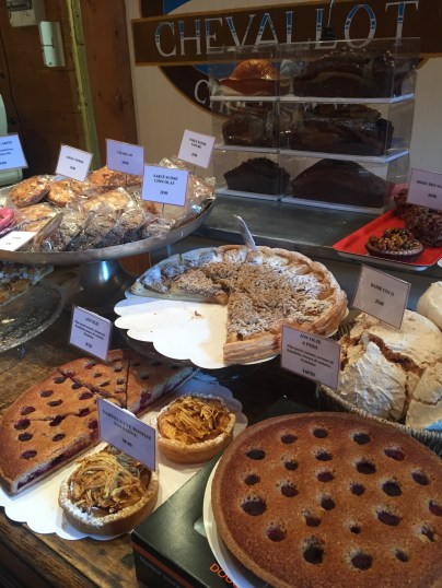 Tarts and cakes at Chevallot