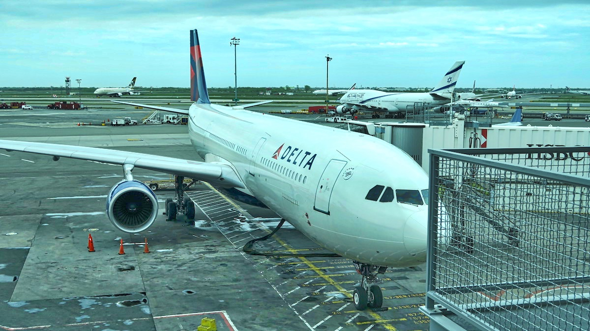 Eating Gluten Free on Delta Airlines