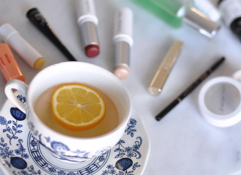 Morning-Cup-of-Lemon-Water-Alkalizing-Routine-Natural-Beauty-Makeup-Kit