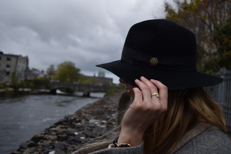 Goorin-Brothers-County-Line-Hat-Black-Women---Thomas-Dillons-Claddagh-Ring-Gold-Galway-Oldest-Jeweller-in-Ireland