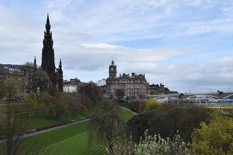 Princes-Street-Gardens-Meadow---Nor-Loch---Edinburgh-Scotland