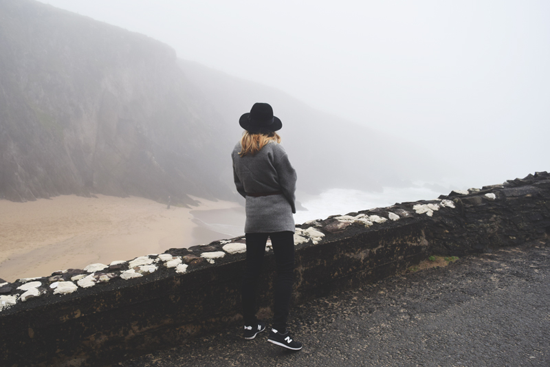 Tour-of-Dingle-Ireland-with-Mor-Active-Tours-Day-Sightseeing-Shore-Foggy-Morning