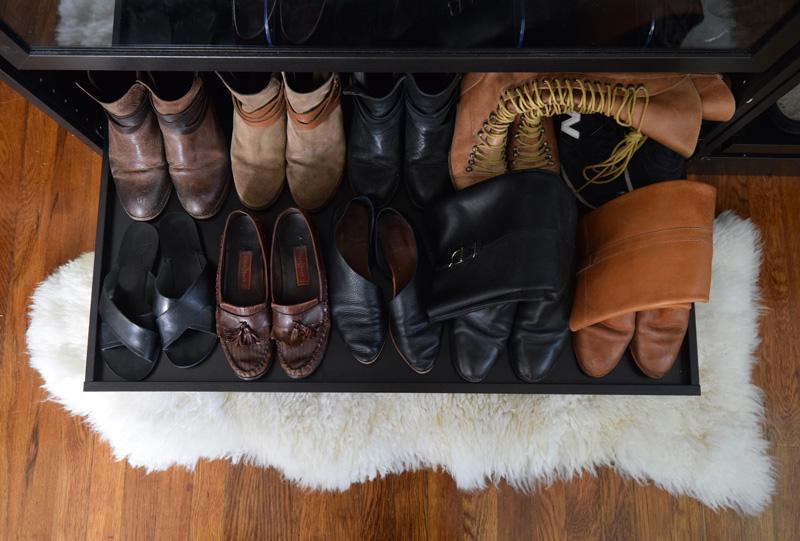 7-shoes-fall-winter-2016-sevilla-smith-sandy-dorsay-flats-hudson-horrigan-booties-frye-boots-ancient-greek-thais-criss-cross-sandals-2