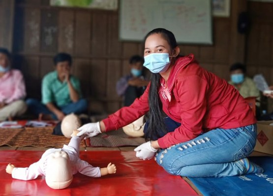 Indigenous Community Members Earn Red Cross Certificates