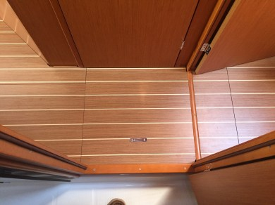 Jeanneau Sun Odyssey 44DS Forward Passageway, View of Sole from Forward Head