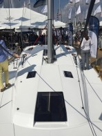 Jeanneau Sun Odyssey 44DS Deck, View Aft