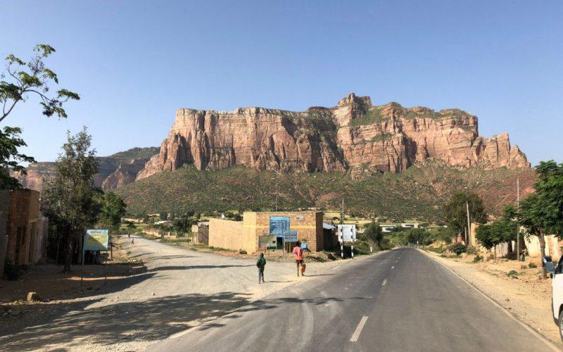 road to abune yemata ethiopia.whileinafrica