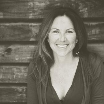 Podcast Episode #43: Founder and Director of Squam Art Workshops, Elizabeth Duvivier