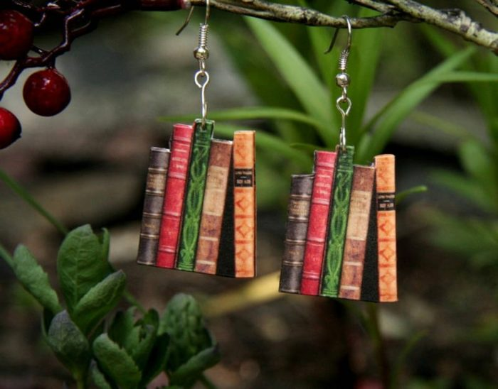 Dangling book earrings with 5 books attached vertically
