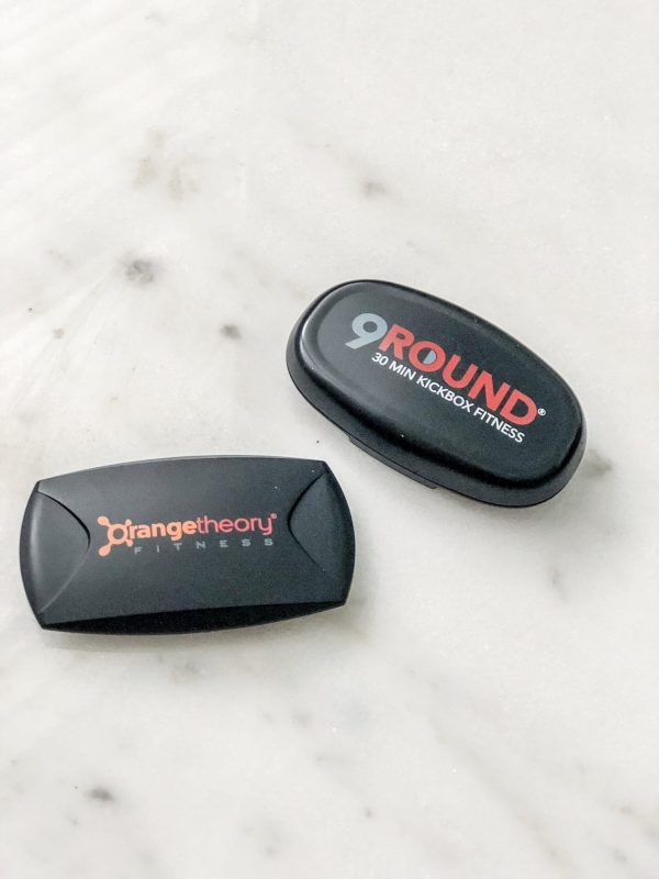 9Round versus Orangetheory: I've been a devoted member of each gym and am comparing and contrasting objective ideas about both. From equipment, start-up fees, class schedules, so much is compared. If you're looking into joining one of these gyms, this may give you a bit more information about what to expect. Click here to read more!