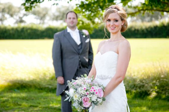 Pretty Colourful Country Garden Wedding http://www.ashdownweddingphotography.co.uk/
