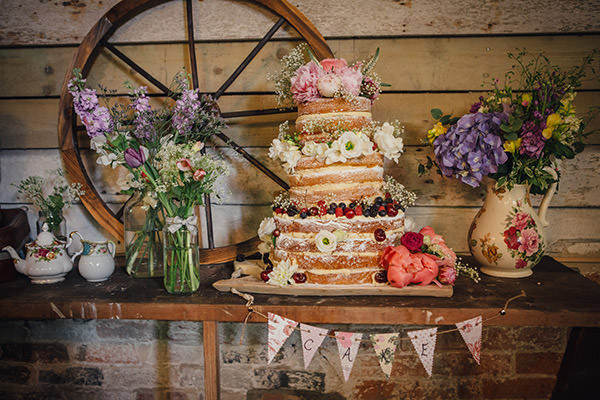 rustic whimsical wedding cakes whimsical rustic backgarden barn wedding 19592