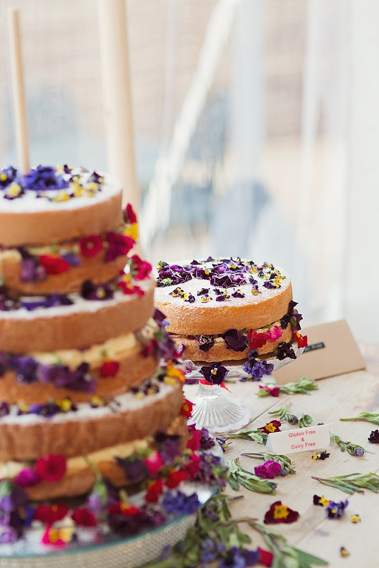 Flower Cake Table Floral Naked Sponge Layer Victoria Home Made Countryside Spring Wedding Sequin Gold Dress Oxford http://www.cottoncandyweddings.co.uk/