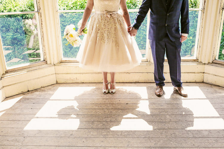 Rustic Laid Back Tipi Wedding http://helenrussellphotography.co.uk/