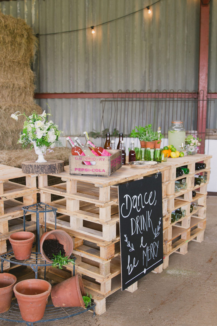 Pallet Bar Drinks Station Industrial Eco Bloom Wedding Ideas http://www.mywildrose.co.uk/