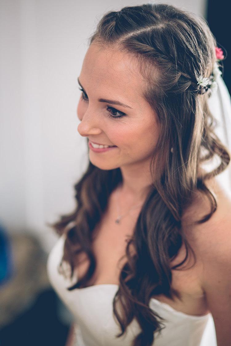 Hair Bride Bridal Daisies Braid Plait Long Waves Colourful Fun London Wedding http://storyandcolour.co.uk/