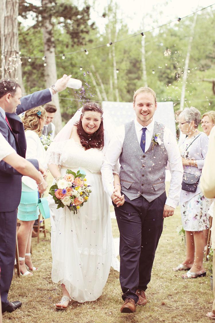 Confetti Throw Mismatched Fairground Woodland Wedding http://www.rebeccaweddingphotography.co.uk/