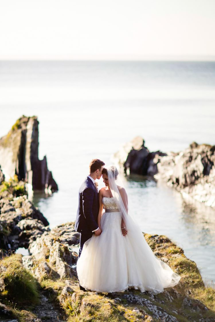 Beautiful & Stylish Cliffside Floral Wedding