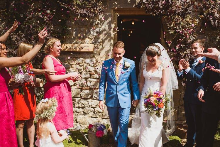 Confetti Throw Crafty Botanical Natural Wedding http://www.jacksonandcophotography.com/
