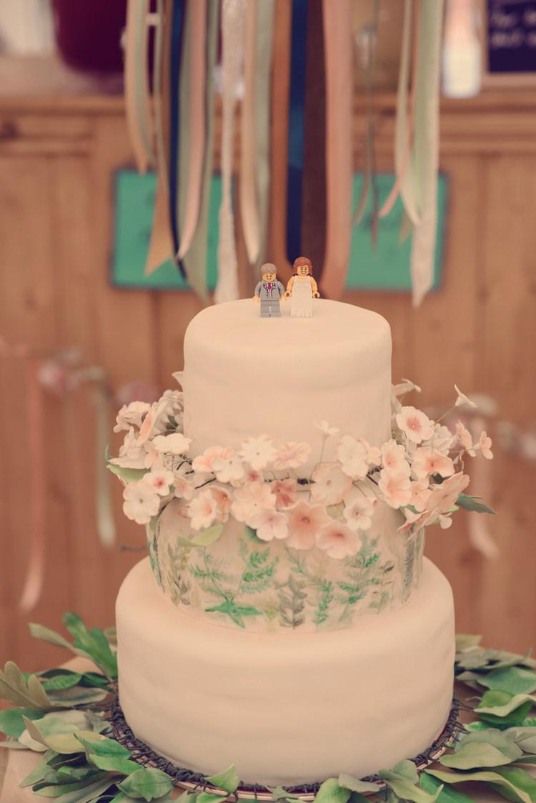 Floral Flower Cake DIY Homespun Mint Yurt Wedding http://www.jessicaraphaelphotography.com/