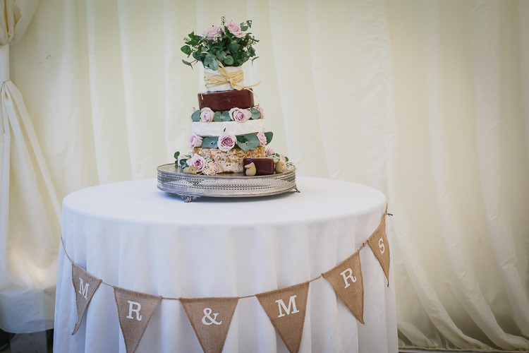 Cheese Cake Stack Tower Bohemian Outdoor Country Wedding https://www.alexapoppeweddingphotography.com/