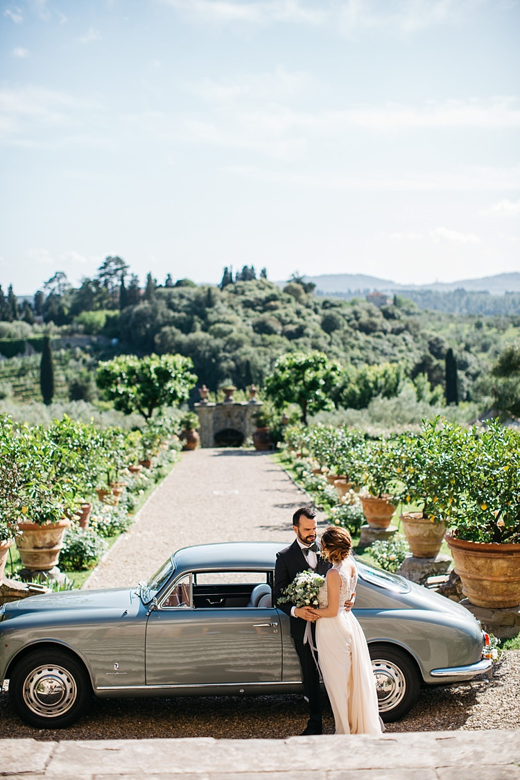 Rustic Chic Greenery Wedding Ideas in Tuscany http://www.tastino0.it/