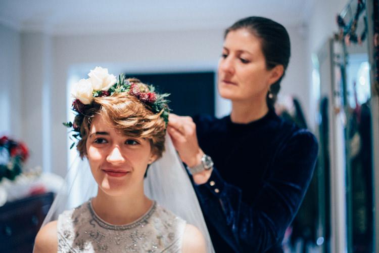 Flower Crown Bridal Veil Needle & Thread Heartwarming Festive Winter Wedding http://www.nikkivandermolen.com/