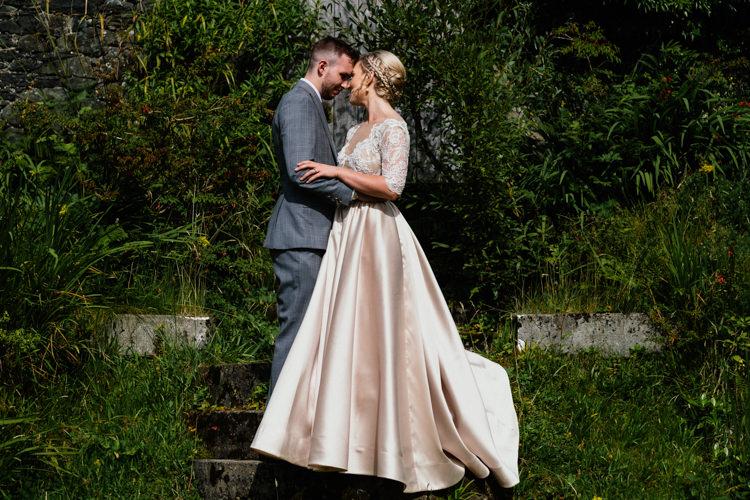 Anges Etoiles Bridal Dress Relaxed Stylish Outdoor Wedding http://www.euanrobertsonweddings.com/