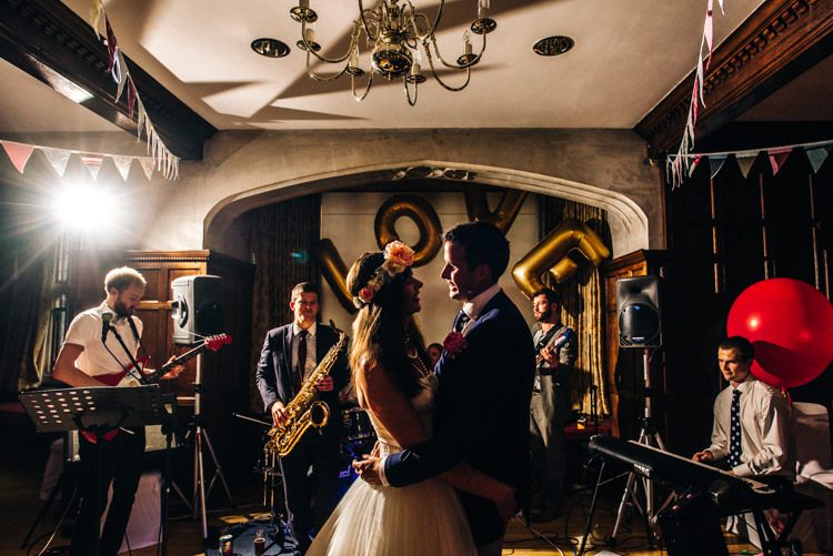 Quirky English Garden Party Wedding http://www.michellewoodphotographer.com/