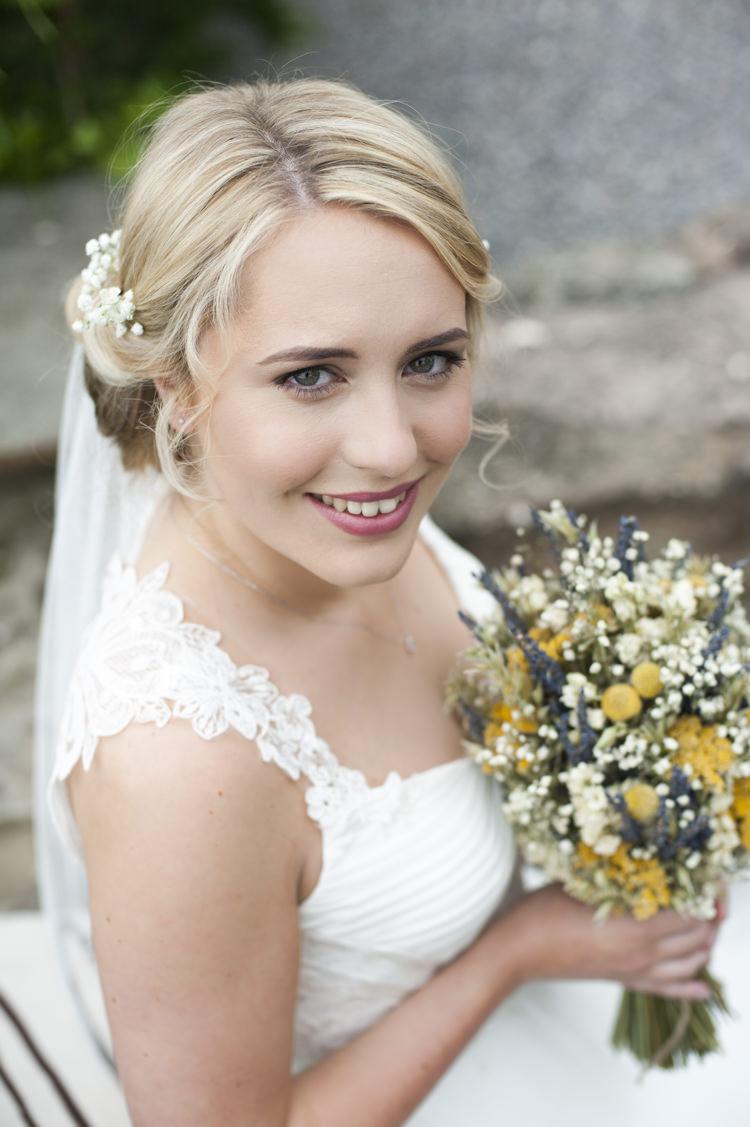 Make Up Bride Bridal Pretty Natural Whimsical Summery Lilac Wedding http://eleanorjaneweddings.co.uk/