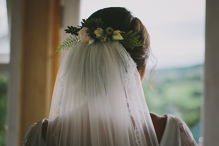 Flowers Hair Bride Bridal Veil Lovely Greenery Farm Tipi Wedding http://www.victoriasomersethowphotography.co.uk/
