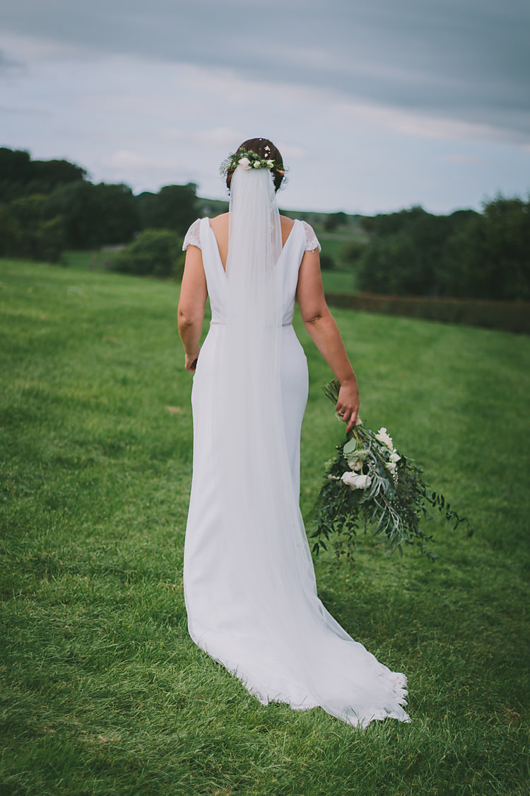 Jesus Peiro Dress Gown Bride Bridal Veil Lovely Greenery Farm Tipi Wedding http://www.victoriasomersethowphotography.co.uk/