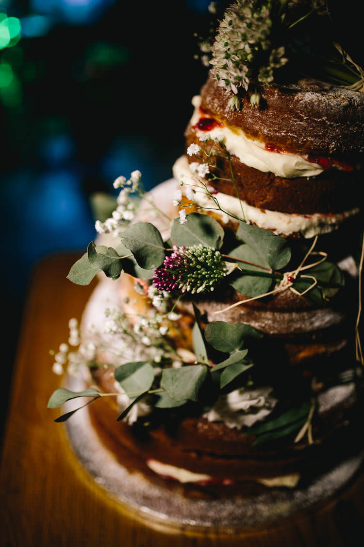 Naked Cake Gypsophila Greenery Foliage Pretty Picturesque Outdoor Castle Wedding https://parkershots.com/