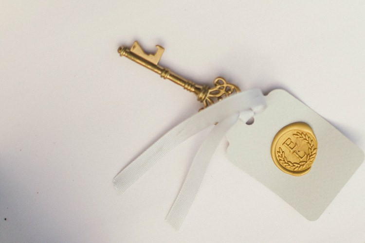 Place Card Name Key Gold Wax seal Tag Natural Romantic Chateau Destination Wedding South of France http://www.jayrowden.com/