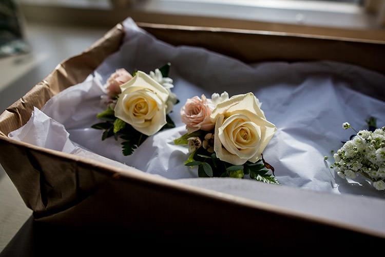 Rose Buttonholes Stylish Winter Glamour Wedding http://lunaweddings.co.uk/