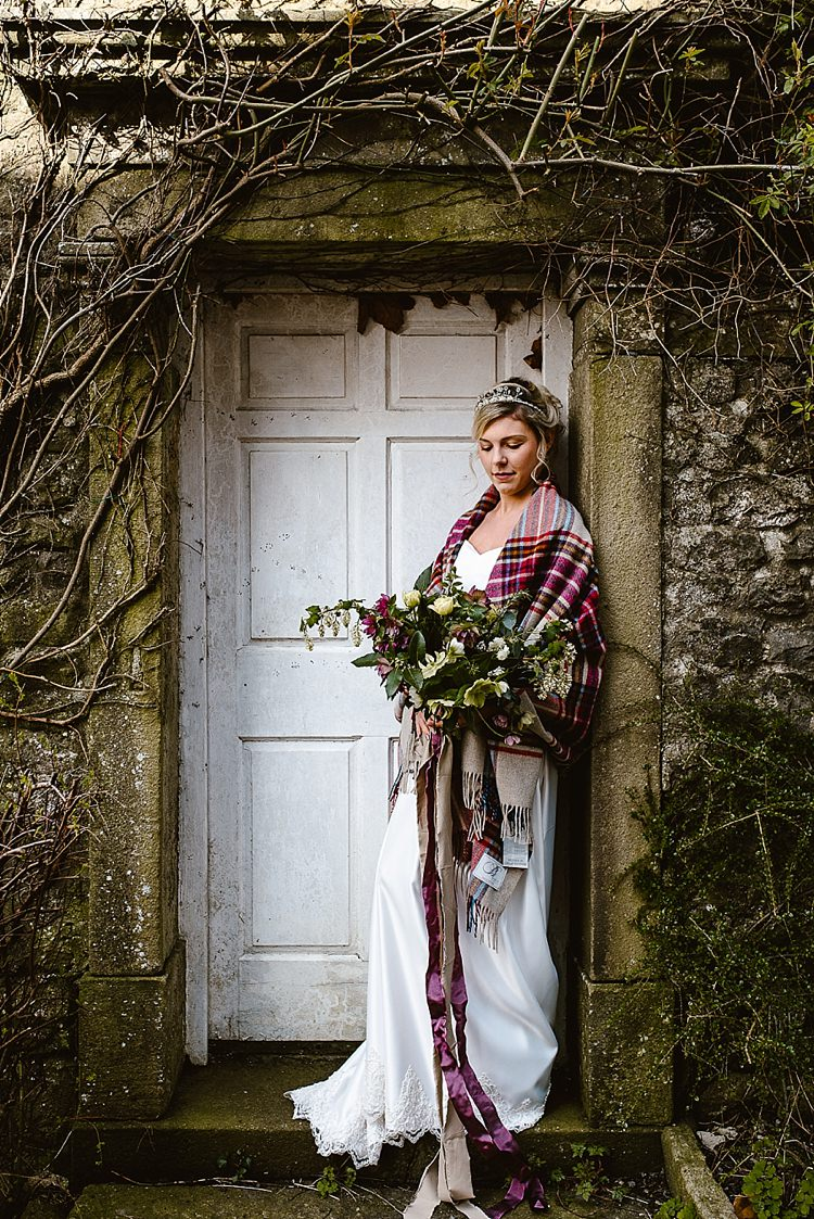Shawl Blanket Bride Bridal Beautiful Countryside Wedding Ideas Inspiration http://www.georginabrewster.com/